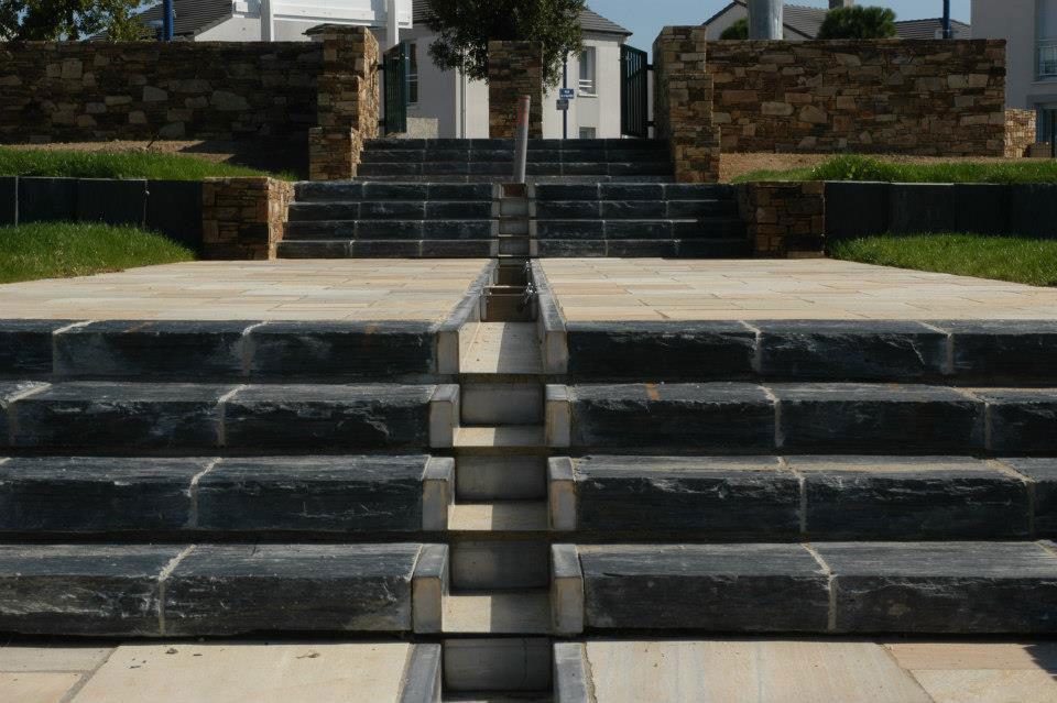Escaliers ext rieurs en ardoise les id es de c t d co for Marche exterieur pierre